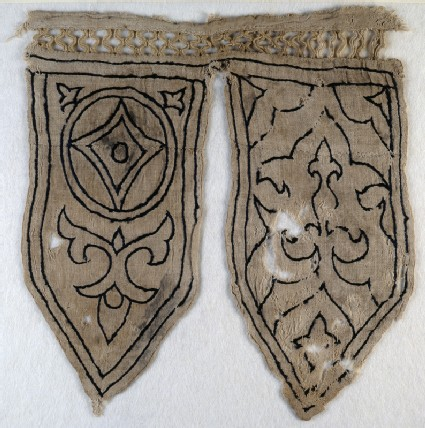 Tabs from a banner with fleur-de-lys, blazon, and trefoilsfront