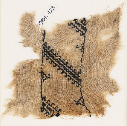 Textile fragment with diagonal lines with hook bordersfront