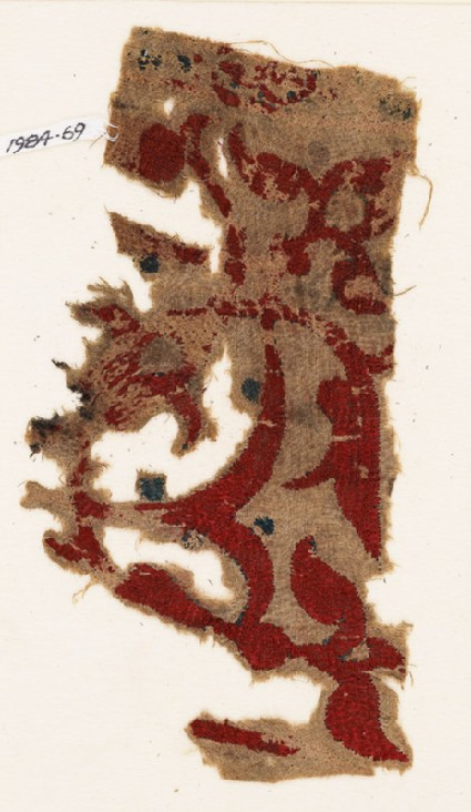 Textile fragment with vine, leaves, and trefoilsfront