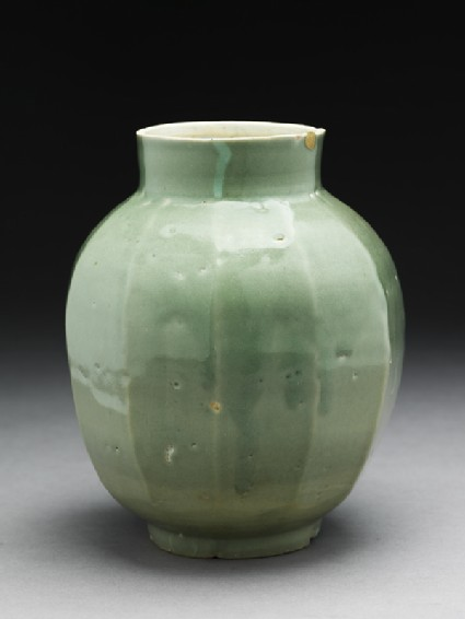 Faceted jar with green glazeoblique