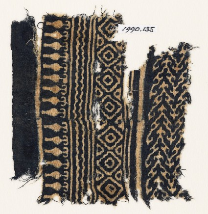 Textile fragment with linked chevrons and diamond-shapesfront
