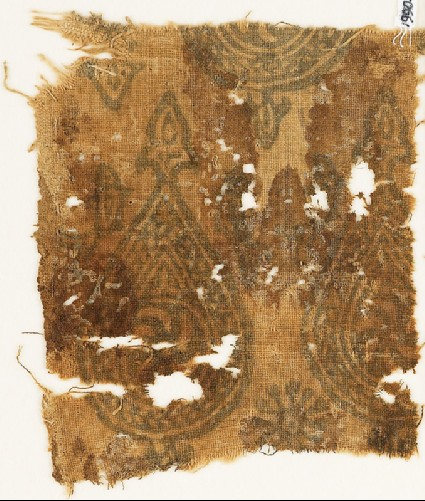 Textile fragment with spirals in braided tear-dropsfront