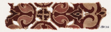 Textile fragment with trefoil and leavesfront