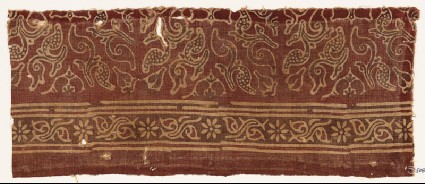 Textile fragment with leaves and quatrefoilsfront
