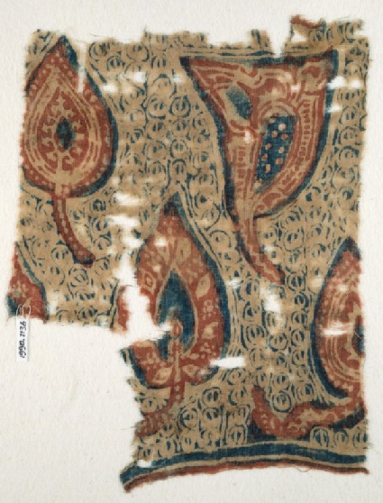 Textile fragment with stylized leavesfront