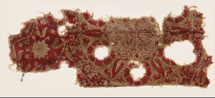 Textile fragment with large medallionfront
