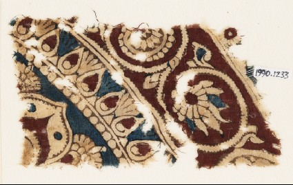 Textile fragment with bands of flower-heads, tendrils, and vinesfront