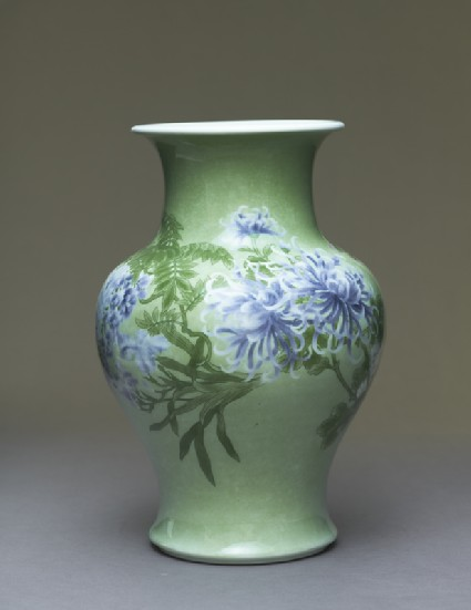Baluster vase with flowersside
