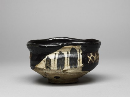 Tea bowl with aubergines and cross-hatchesside