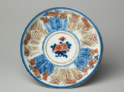 Saucer with chrysanthemumstop