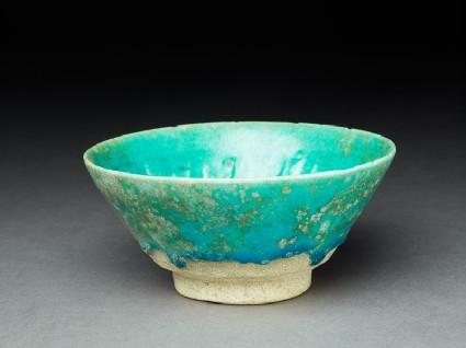 Bowl with turquoise glazeoblique