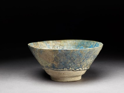 Bowl with light-blue glazeoblique