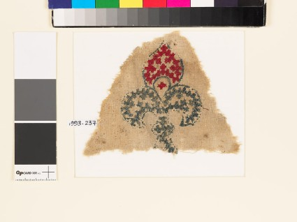 Textile fragment with fleur-de-lys and linked crossesfront