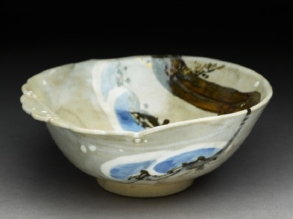 Bowl with pine branchoblique