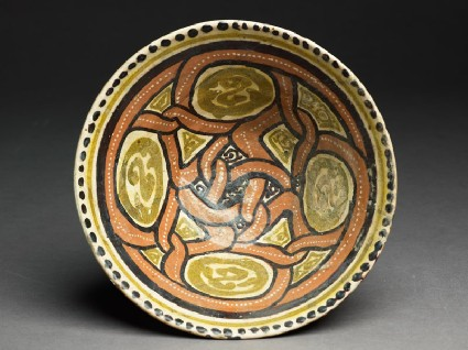 Bowl with interlacing medallionstop