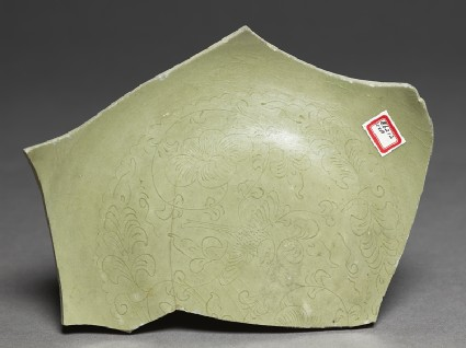 Greenware sherd with floral decorationtop