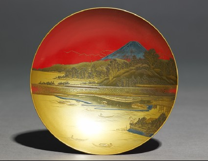 Sake cup depicting a lake in front of Mount Fujitop