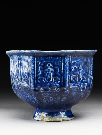 Bowl with paired sphinxes and horsemenside