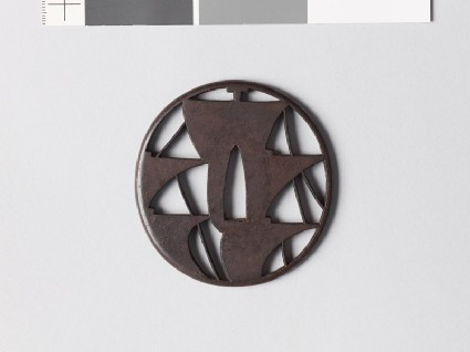 Tsuba with five sailsfront