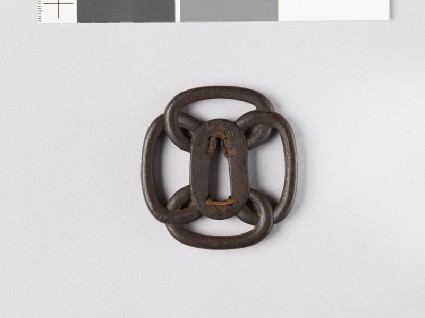 Mokkō-shaped tsuba formed from four loopsfront