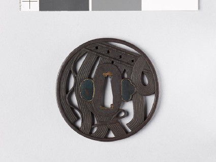 Round tsuba with rope curtainfront