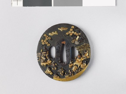 Tsuba depicting a Chinese dignitary watching warriors dancefront