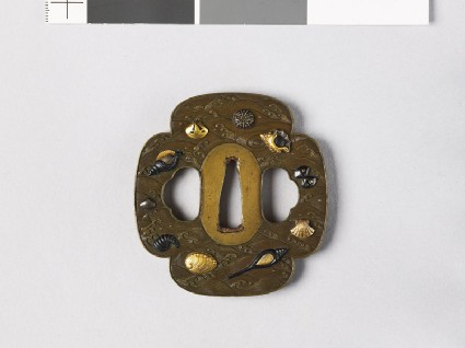 Mokkō-shaped tsuba with sea shells amid wavesfront