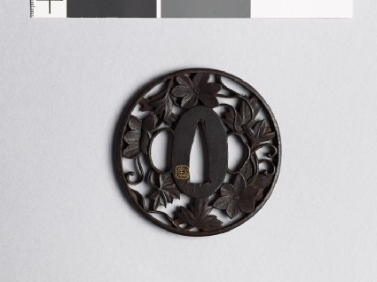Tsuba with vinefront