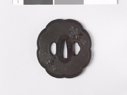 Lobed tsuba with paulownia leavesfront