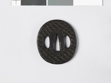 Tsuba with wavesfront