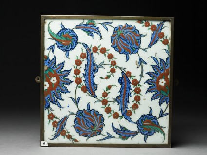 Tile with serrated leaves and flowerstop