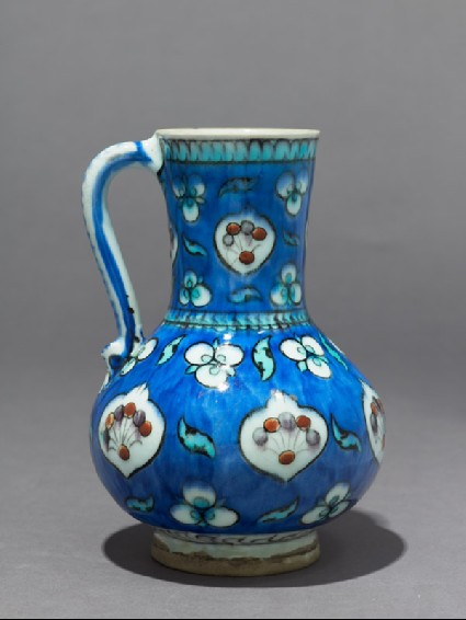 Jug with cusped medallions and çintamani motifsside