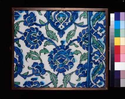 Frieze tile with floral decorationfront