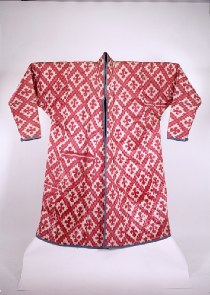 Coat with diamond-shapesfront
