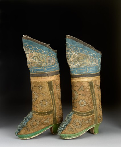 Pair of boots with flowersside