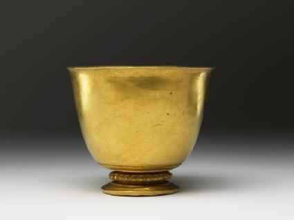 Gold gobletside