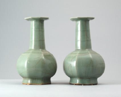 Greenware octagonal bottlefront