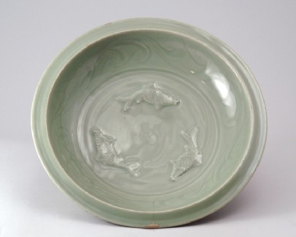 Greenware dish with three carp and lotus petalsfront