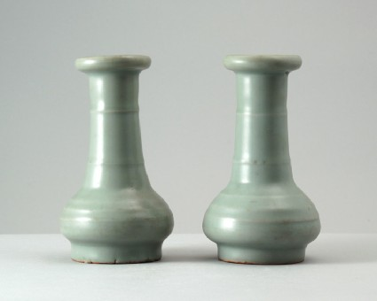 Greenware vase with ribbed decorationfront
