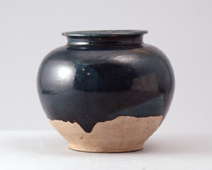 Jar with blue glazefront