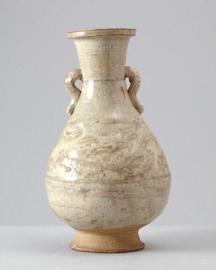 White ware vase with a dragon and tigerfront
