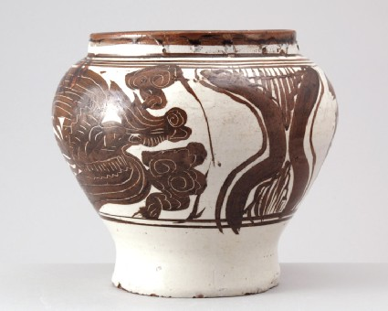 Cizhou type jar with phoenixesfront