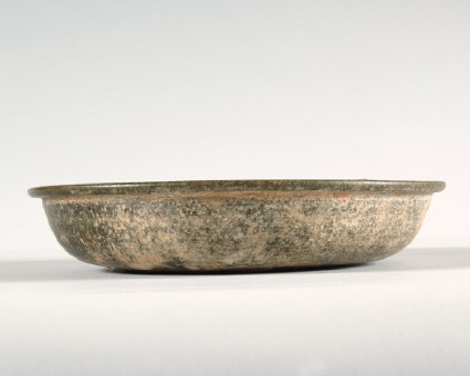 Basin with green glazefront