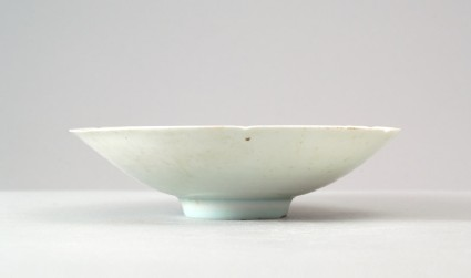 White ware dish with floral decorationfront