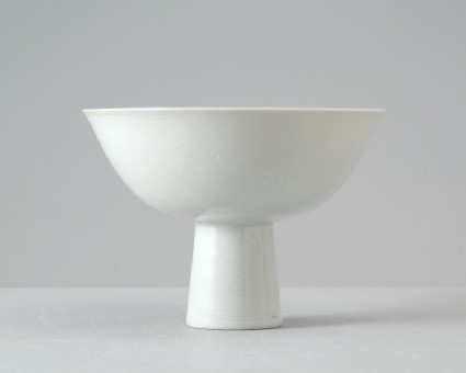 White ware stem bowl with lotus decorationfront